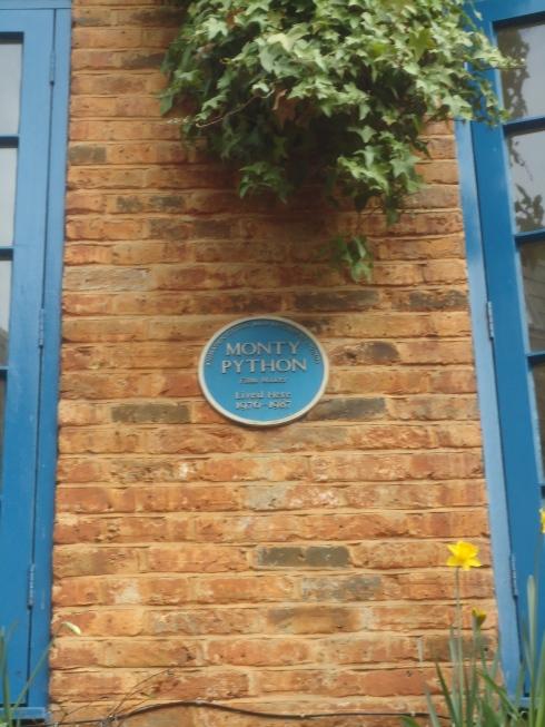 Henrik fandt en meget vigtig platte i Neals Yard, noget med at Monty Python har haft kontor der engang...