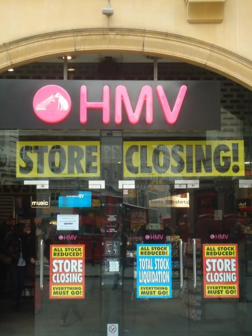 London marts 2013 - HMV ved Leicester Square lukker