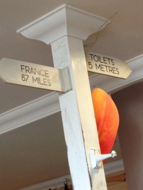 Altid vigtigt at vide hvor langt der er til nærmeste toilet.