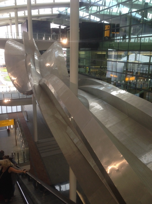 Der er også blevet plads til lidt kunst - Terminal 2 15.9.2014
